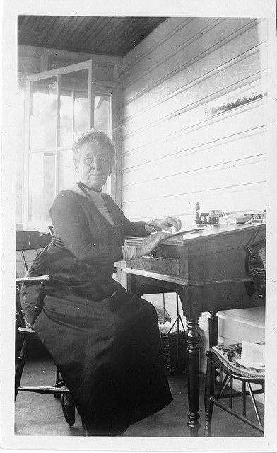 Cornelia Clapp (1849–1934) earned both the first and second (from Syracuse and Chicago, respectively) biology doctorate degrees awarded to a woman in the U.S. | 34 American Lady Scientists Who Changed The World
