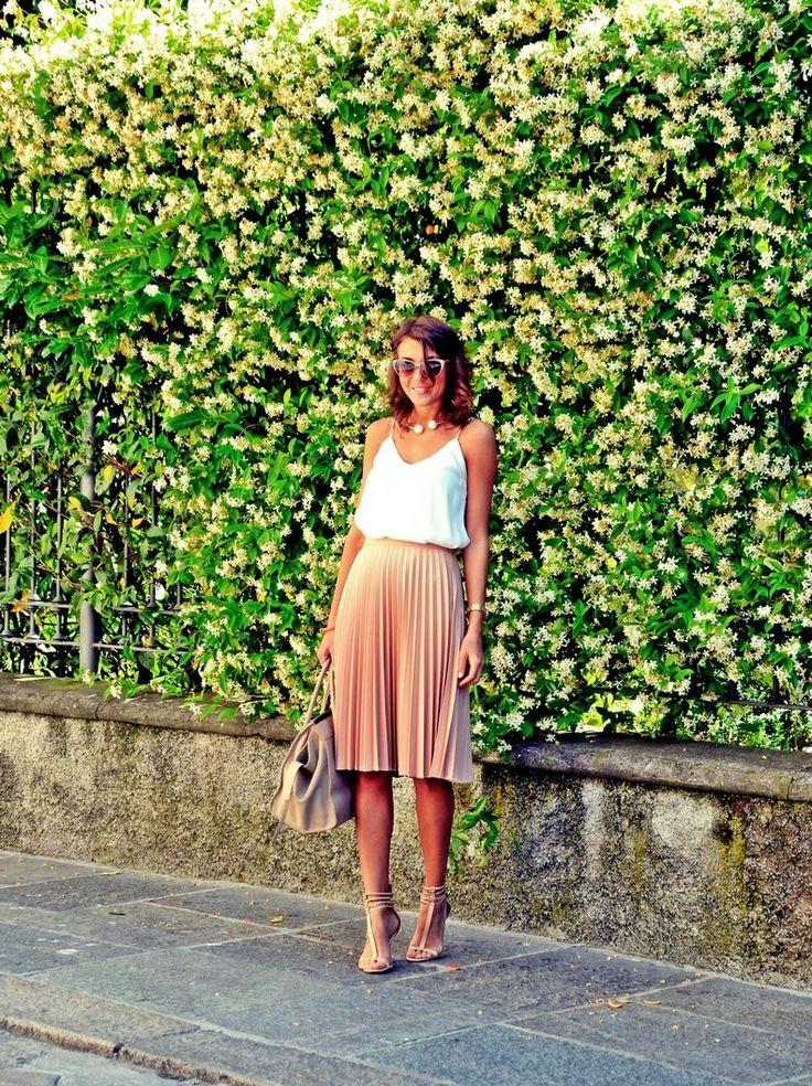 midi skirt, outfit, moda, celine                                                                                                                                                                                 Más