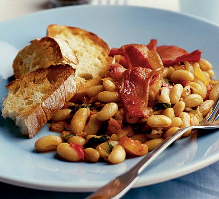 Whip up a superhealthy alternative to beans on toast in 10 minutes flat - this dish is high in fibre too