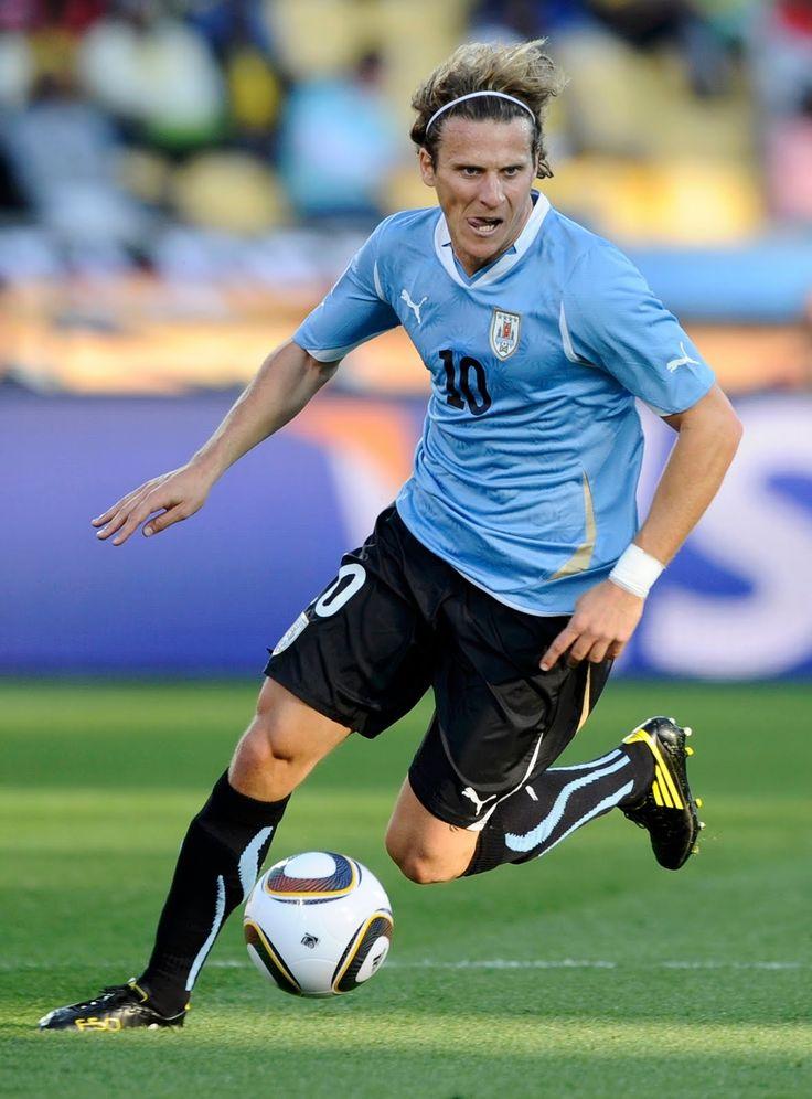 Diego Forlan, Uruguay (Independiente, Manchester United, Villareal FC, Atlético Madrid, Inter Milan, Internacional, Uruguay)