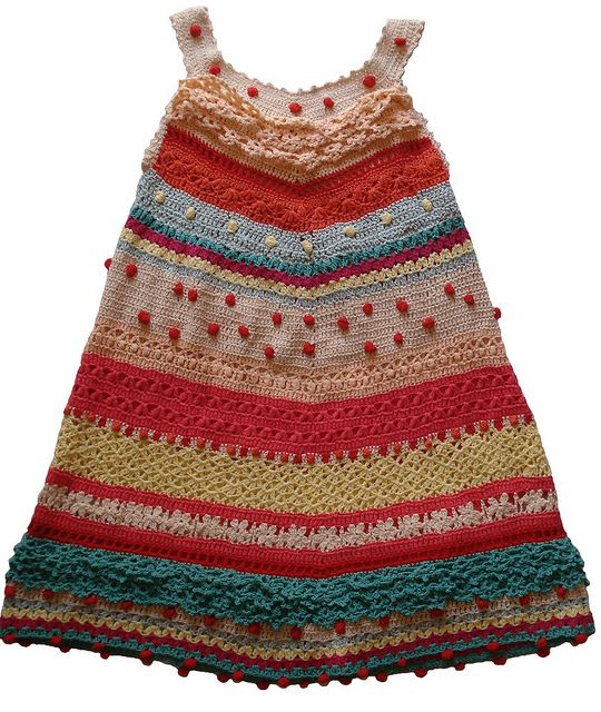 Crochet Dress.  MÁS O MENOS.