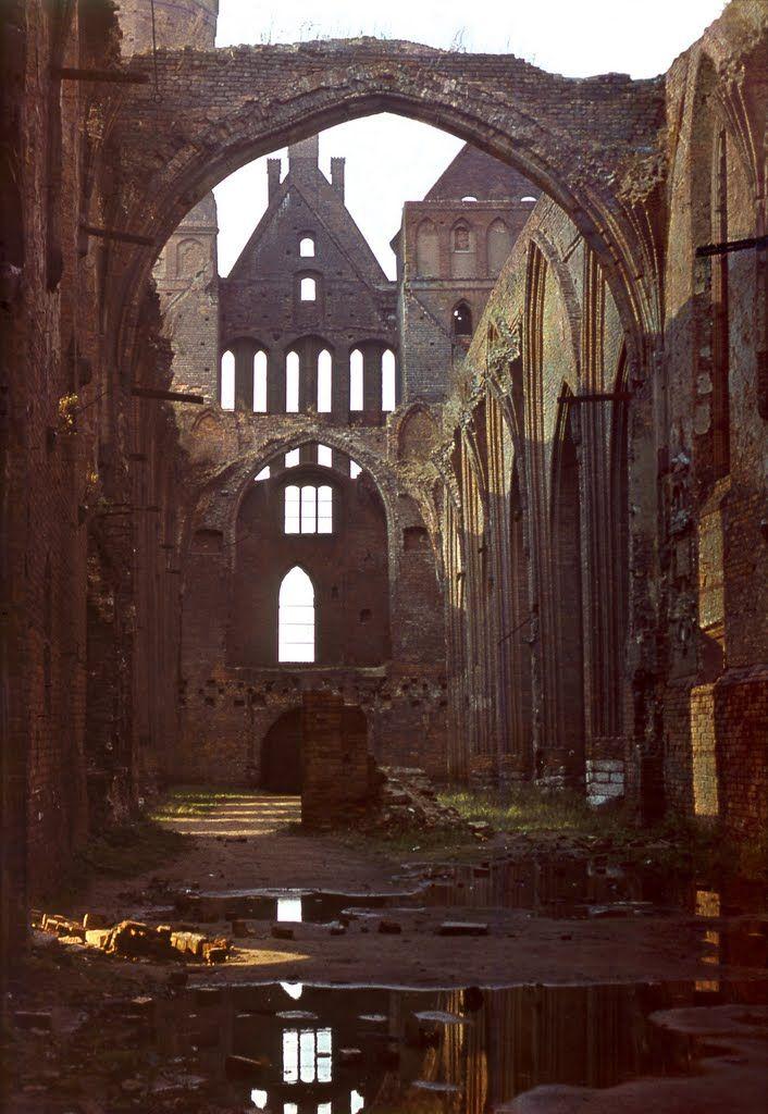 Der Dom. 1975