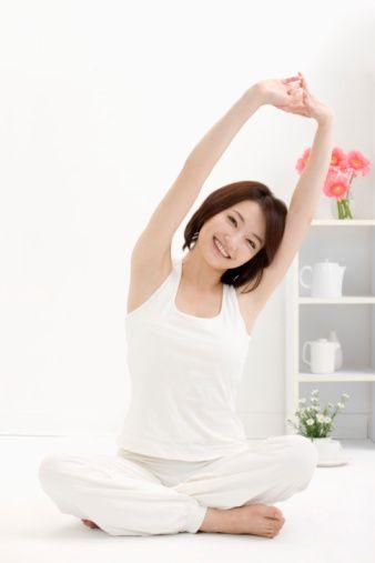 Apabila Anda tidak mempunyai waktu untuk pergi berolahraga ke pusat kebugaran atau melakukan aktivitas di luar rumah, jangan berkecil hati. Anda masih dapat memperoleh manfaat bagi kesehatan Anda dengan memanfaatkan waktu di rumah untuk berolahraga.