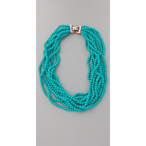 a spalsh of turquoise never hurts anyone