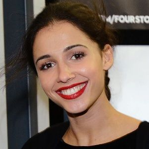 Naomi Scott (English, Television Actress) was born on 06-05-1993.  Get more info like birth place, age, birth sign, biography, family, relation & latest news etc.