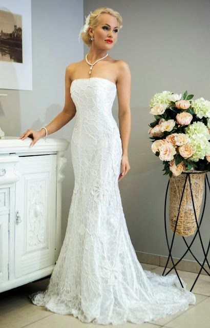 Crochet wedding dresses . Bieke