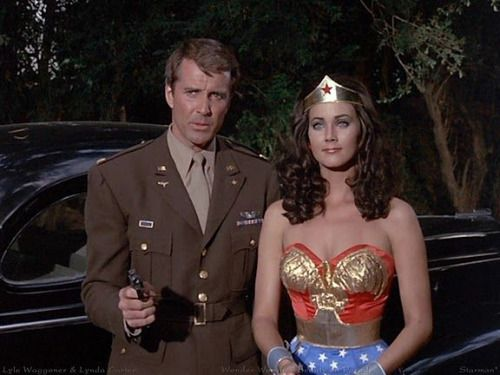 Lyle Waggoner as Steve Trevor and Lynda Carter as Wonder Woman.