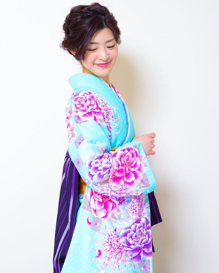 today's hair style☆  先日のボブスタイルをアップにしたスタイルです☆ 和装や袴でのアップスタイル 洋装でも使えるルーズスタイルです . 衣裳協力 @bphotoworks @shimazu.5160  ありがとうございました。  #ヘアセット #セット #ヘアアレンジ #アップスタイル #ツイスト #編み込み #ねじねじ #ヘアアクセサリー #シンプル #和装 #卒業式 #袴 #結婚式 #ルーズ  #フェミニン #ブライダル #パーティー #二次会 #ファッション #メイク #ありがとう #京都 #京都駅前 #美容室 #t2style #love #starbucks #beauty  #courarirkyotoekimae #kyoto