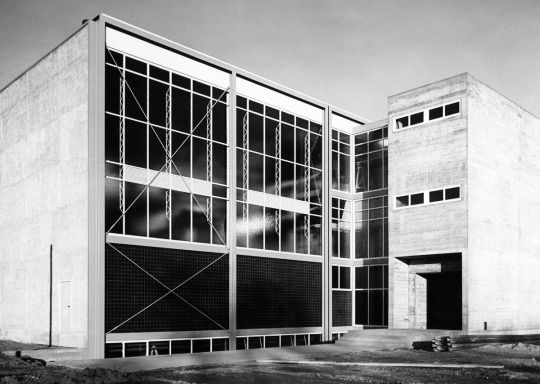 Experimental plant of the Technical University (1951-56) in Karlsruhe, Germany, by Egon Eiermann