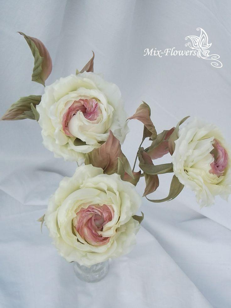 Художники из ничего создают людей, здания или енотов, играющих в снежки... Мастер - из отреза белого шелка - прекрасные цветы 🌸🌸🌸 ..  Разве это не чудо 💥?)  🌹 Цветочное оформление Вашего дома - лично для Вас, от мастера Светлана Темник (Svetlana Semyannikova)  💝 Творю для Вас, пишите в личку .  #купитьцветы #сделатьзаказ #подарок #шелковыецветы #букетназаказ #заказумастера #интерьердома #шелковыйбукет #mixflowers #цвет #цветочныйдекор #твойбукет #мойдом #творчество #цветыручнойработы…