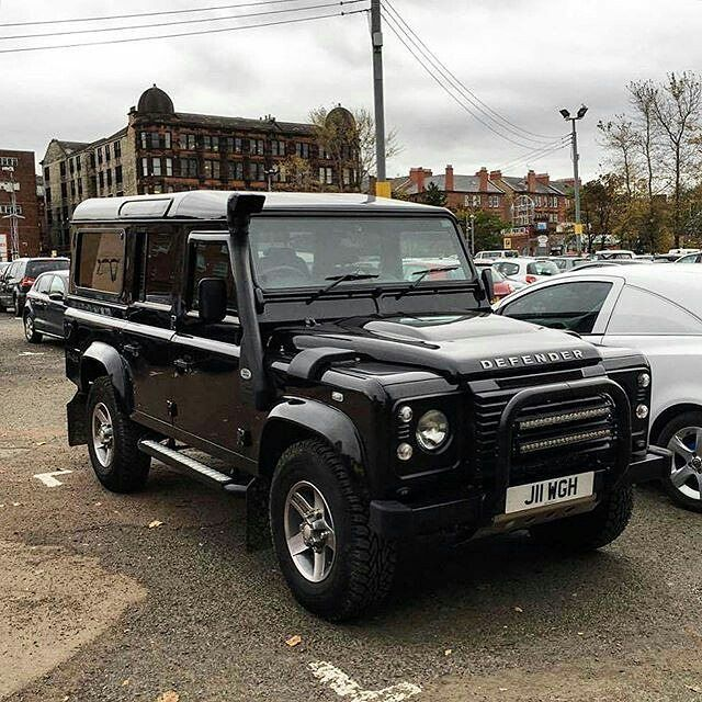 Land Rover Defender 110 Td4 customized. All-out nice!