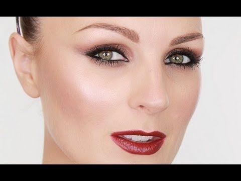 Cheryl Cole X-Factor Make-up   super 20s lookin'