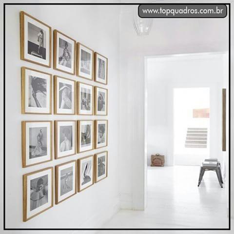 Está com o corredor de casa vazio, e não sabe o que colocar? Ta aí uma boa idéia !! Nesta parede galeria foram utilizadas todas as fotos em preto e branco com paspatur e moldura dourada. www.topquadros.com.br  #quadro #quadros #decoracao #decorativo #decorar #decorado #decorada #decorando #parede #naparede #wall #topquadros #lojaonline #lojafisica #inspiração #paredegaleria #moldura #dourada #paspatur #fotos #peb #pretoebranco