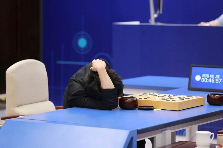#TimBeta #TimBeta AlphaGo, inteligência artificial do Google, é aposentada após vencer melhor jogador de Go do mundo #BetaLab #BetaLab