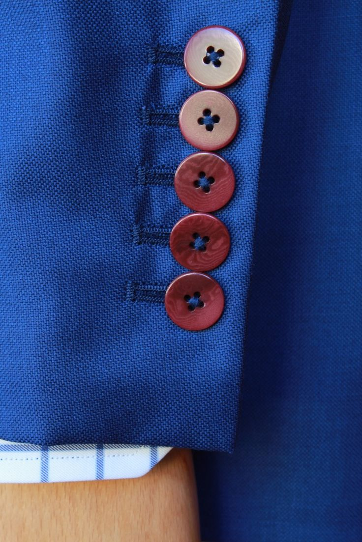 https://www.facebook.com/media/set/?set=a.10153366998264844.1073742467.94355784843&type=1  #fashion #style #menswear #mensfashion #mtm #madetomeasure #buczynski #buczynskitailoring #dormeuil #jacketing #jacket #tailoring
