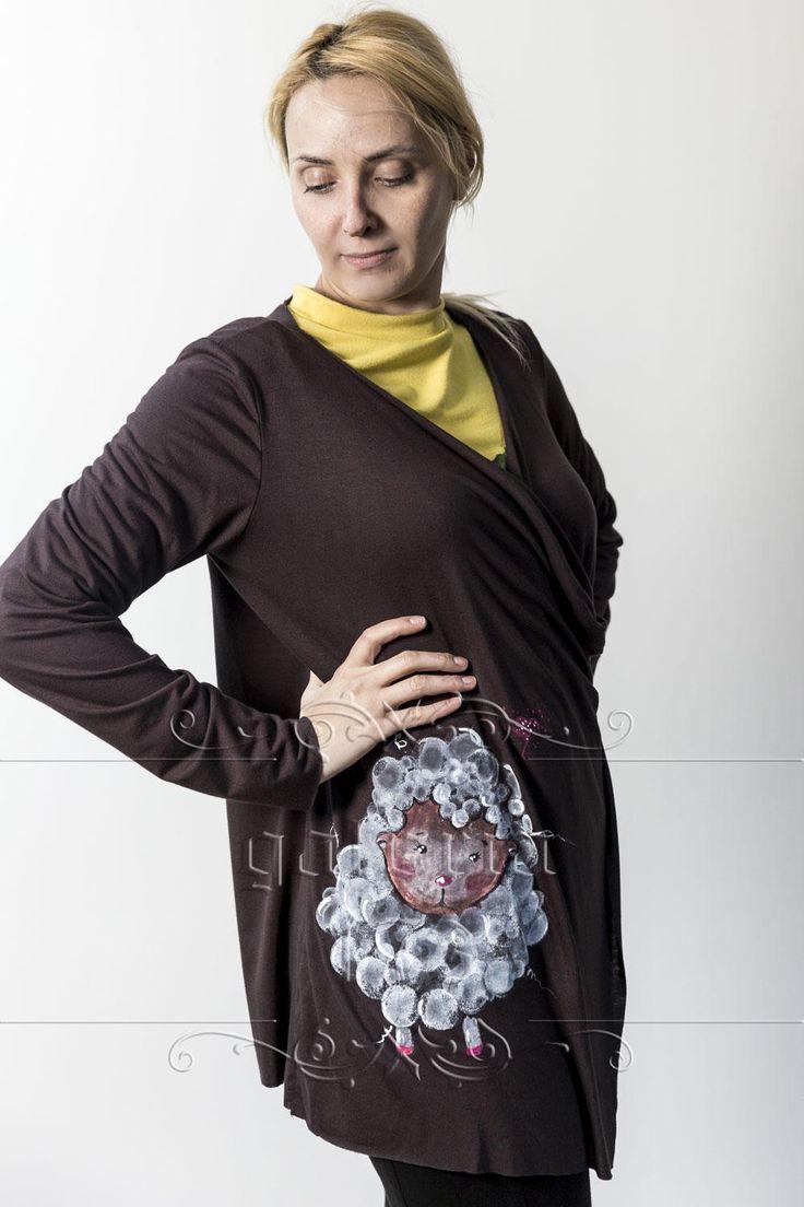 Cardigan   Oita, model unicat, realizata si pictata manual. Compozitie: Bumbac 100%. Marime universala.