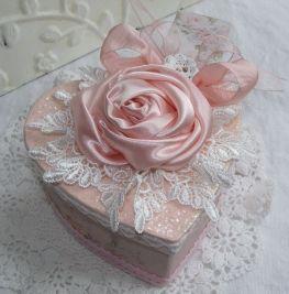 Shay Heart Gift Box