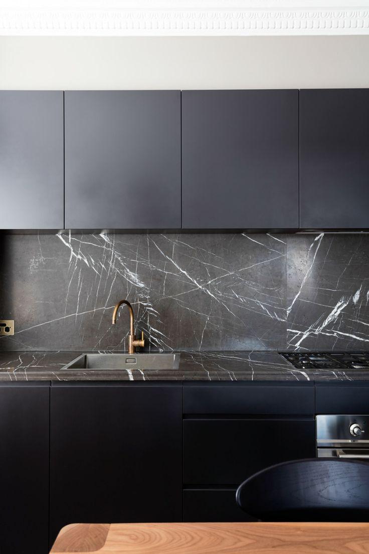 Schwarze Granitküche – 69 inspirierende Fotos von eleganten Räumen