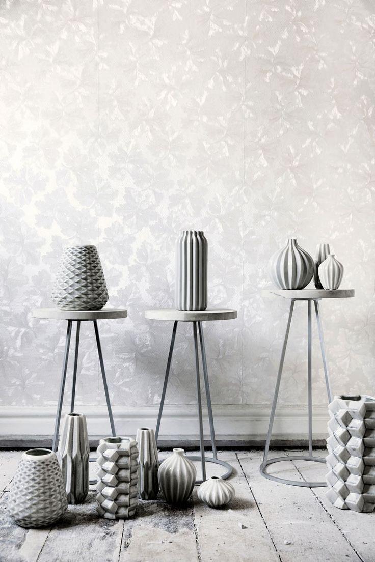Brostes grå stager og vaser fra den nye kollektion må i hvert fald gerne stå i min stue :)