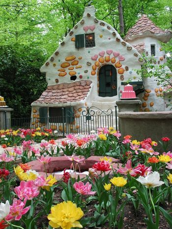 efteling~ kaatsheuvel- House of the witch from 'Hans en Grietje' in summer