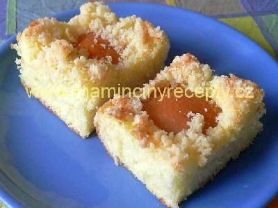Cuketový koláč s meruňkami