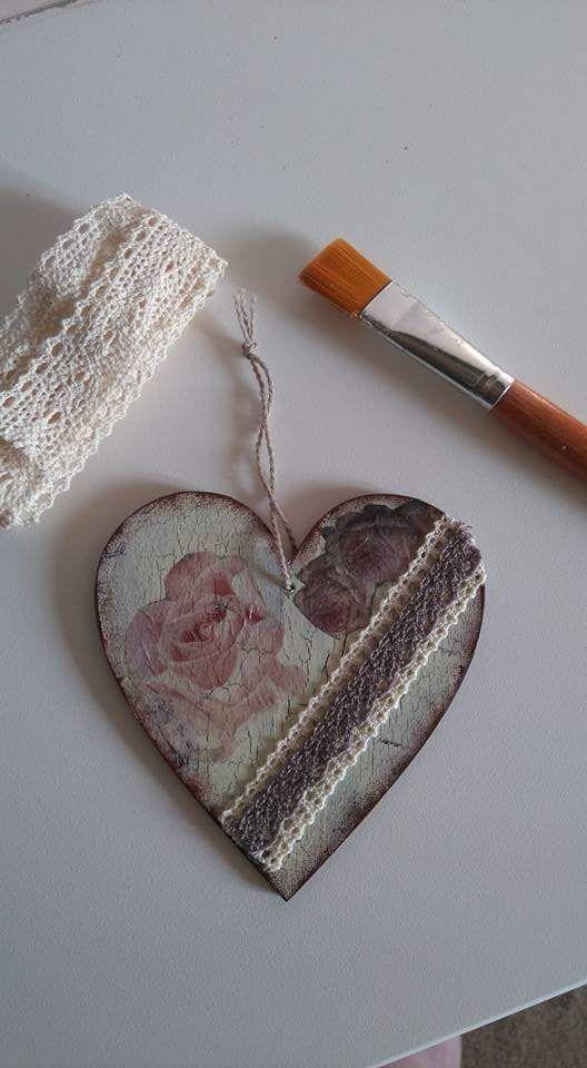 Decoupage vintage heart