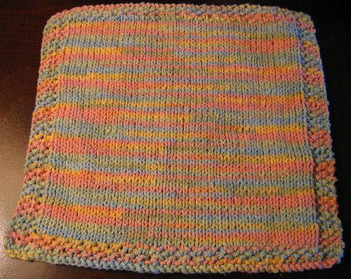 An Easy-to-Knit Stockinette Stitch Washcloth You Can Use Every Day