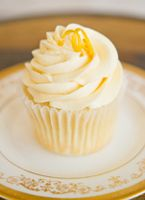 classic vanilla cupcake with a lemon curd centre    and lemon buttercream