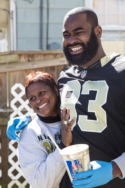 Join Rebuilding Together's efforts to improve homes and lives. Serve your community like New Orleans Saints player Junior Gallette served his at Kickoff to Rebuild 2013, an NFL-sanctioned event.