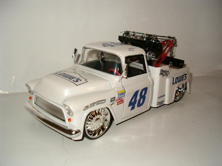 JIMMIE JOHNSON NASCAR LOWES RACING 1955 CHEVY TOW TRUCK 1/24 DIECAST RARE