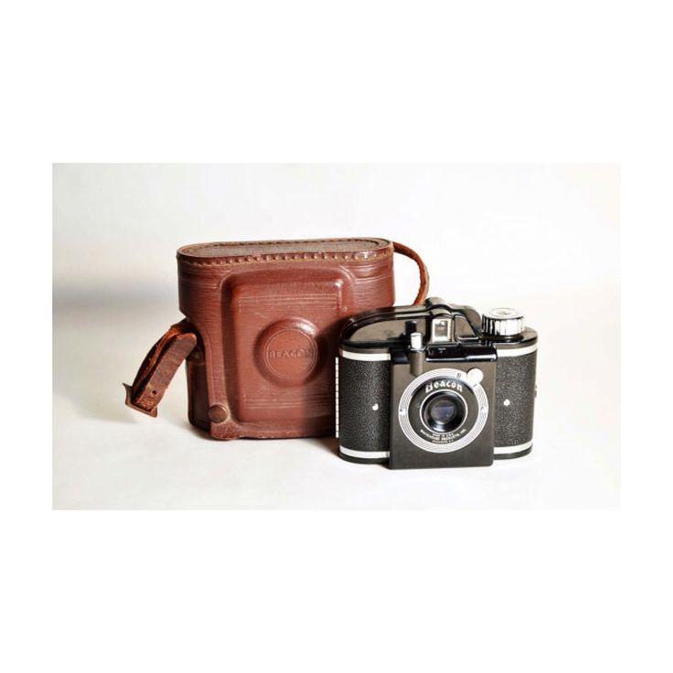 Vintage 1940's 127 film camera by Beacon, w/ leather case