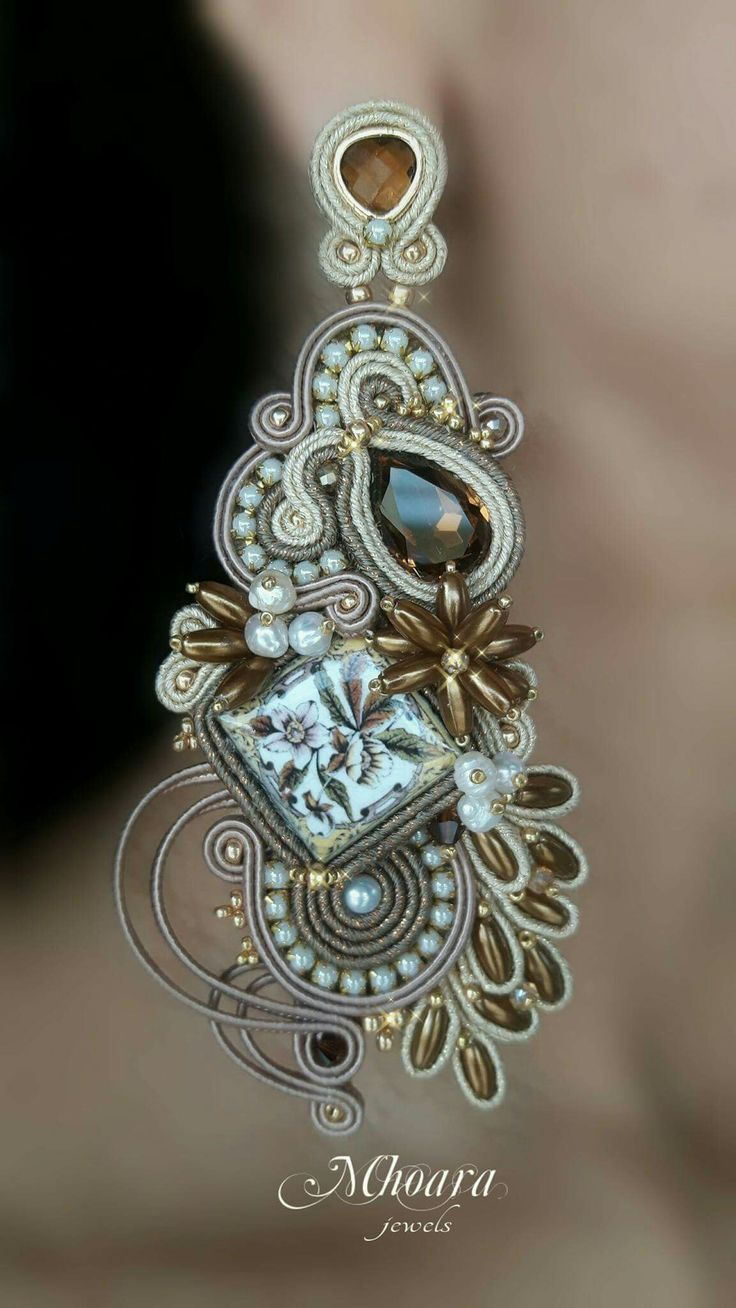 'Victorian Details' soutache earrings with majolica Mhoara Jewels