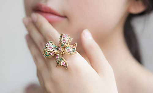 <3: Accessories Glamour, Pretty Bows, Beautiful Jewelry, Accessories Heavens, Bows Rings, Beautiful Rings, Beautiful Jewels, Big Bows, Accessories Worth