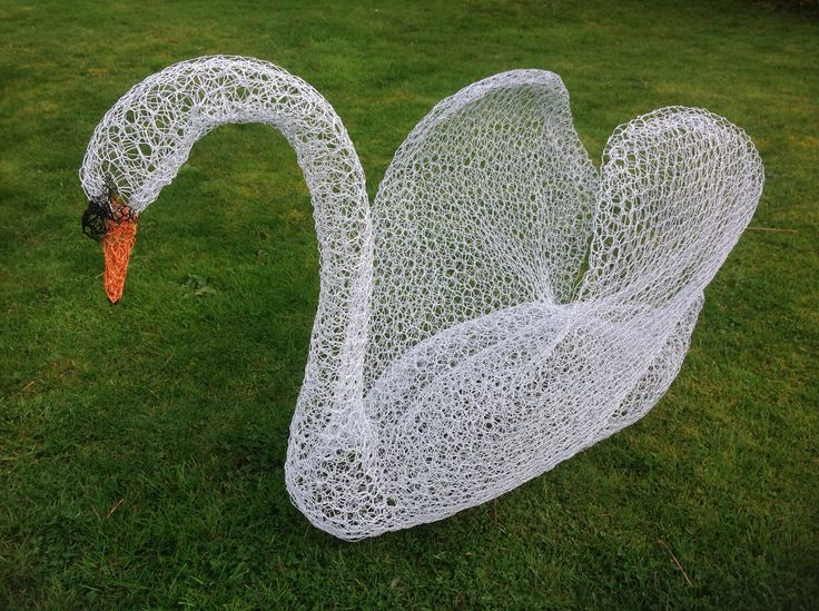 Wire swan - finished at last!