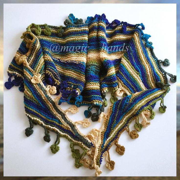 """Instagram'da @magic__hands: """"İçinizi ısıtacak❤️üçgen şal yaprak şal modelim bu soğuklarda en güzell✌️☃❄️ #sevgiyleörüyorum #crochet #crocheart #crafts #orgu #örgü #örgüaşkı #nako #snow #virkning #knitters #knitting #knitstagram #knitsweater #knittersoftheworld #elişi #handmade #hakeln #haekling #handdyed #fashion #lovecraft #şalmodelleri #şallar #handknitted #knittersofinstagram #knitting_inspiration #instaknit #instacrochet #atkı"""""""