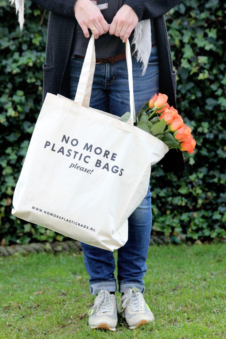 www.nomoreplasticbags.nl Deze tas is nu te koop voor 6,99 excl. verzendkosten!