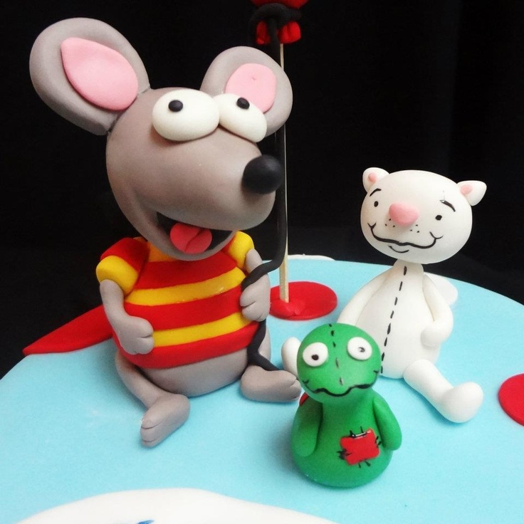 Toopy and Binoo characters for a child's birthday cake! How cute!  www.cakeaters.com