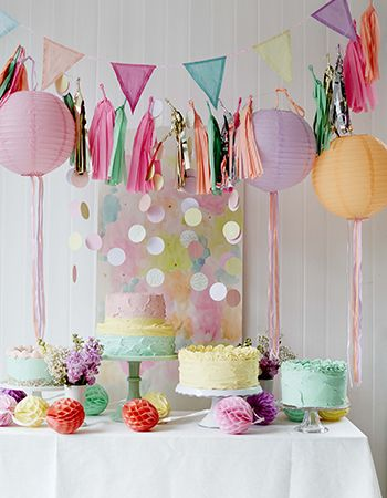 Pastel Party Decs from @talkingtables styled by @selinlake Photography by @debitreloar #Caketable