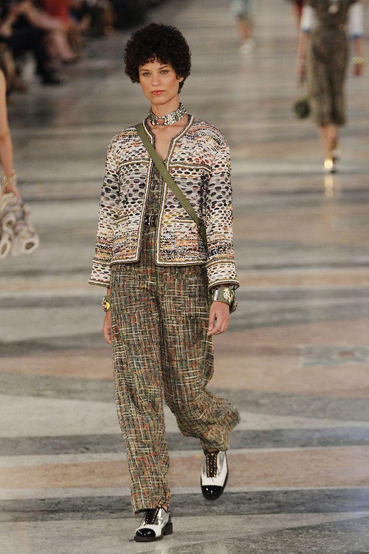 Chanel Resort 2017 Fashion Show                              …