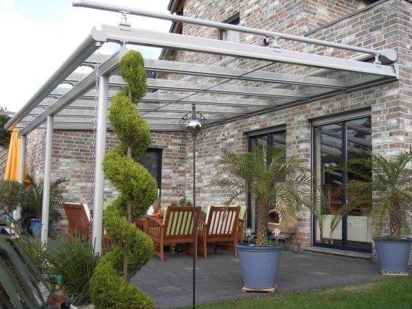 Auvent De Terrasse Aluminium Avec Une Belle Vegetation En 2020 Auvent Terrasse Auvent De Patio Auvent