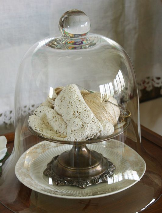 Vintage crochet thread in cloche  Love this for Grandma Roberts unfinished products!