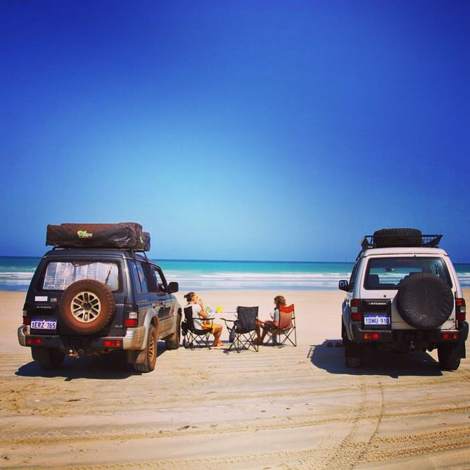 What better to do after 4 weeks of working in a roadhouse, than to have breakfast on Cable Beach in Broome. #breakfastonthebeach #brekkie #cablebeach #broome #happy #sunshine #pajero4x4 #offroad #beach #westernaustralia #thisiswa #travel #wanderlust