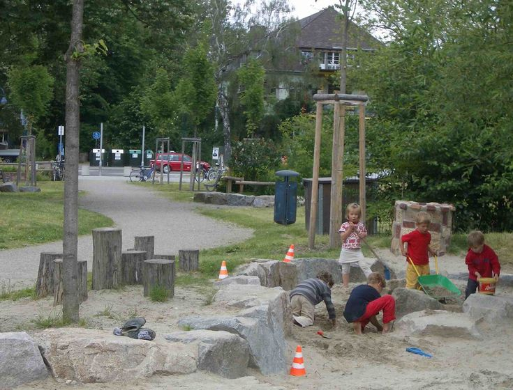 Busy sandpit, nature playground, Vauban, Freiburg | Flickr - Photo Sharing!