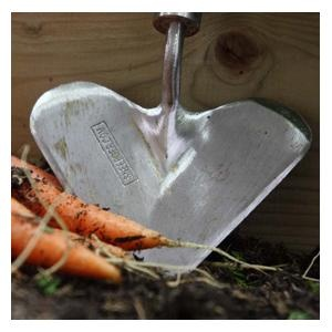 Sneeboer Heart Shaped Trowel   Harrod Horticultural (UK)   Use Our  Personalisation Service To Make That Perfect Gift Extra Special With Your  Choice Of ...