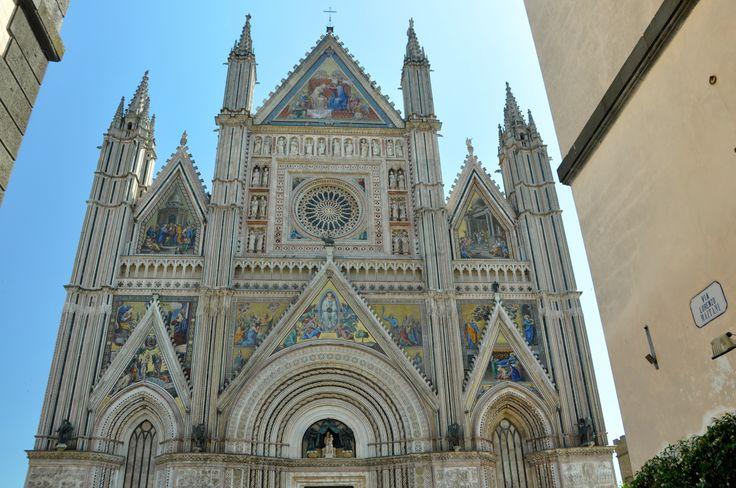 La facciata superiore del Duomo di Orvieto.