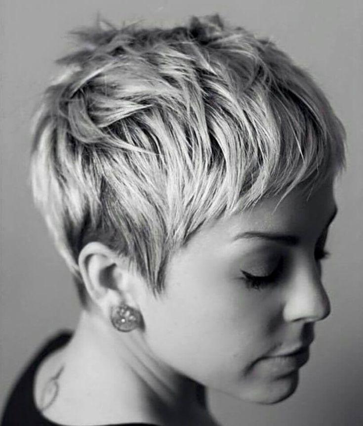 Pixie Haarschnitt der neueste Stil