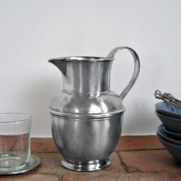 Pewter Pitcher - Height: 19 cm (7,5″) - Food Safe Product - #jug #pitcher #pewter #brocca #caraffa #peltro #krug #zinn #zinnkrug #étain #etain #peltre #tinn #олово #оловянный #tableware #dinnerware #drinkware #table #accessories #decor #design #bottega #peltro #GT #italian #handmade #made #italy #artisans #craftsmanship #craftsman #primitive #vintage #antique