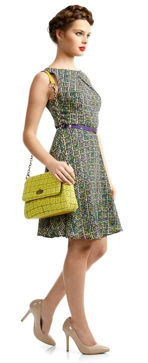 Standout from the crowd in this graphic print dress, add a pop of colour with this neon lime lace bag, this is the new season must-have tea dress.