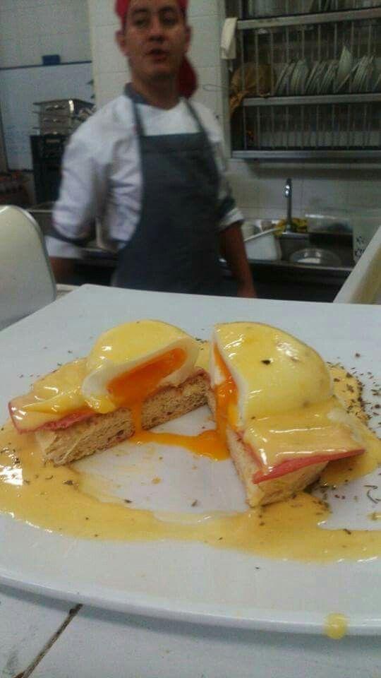 Huevos Benedictino Delicias de un espectacular desayuno