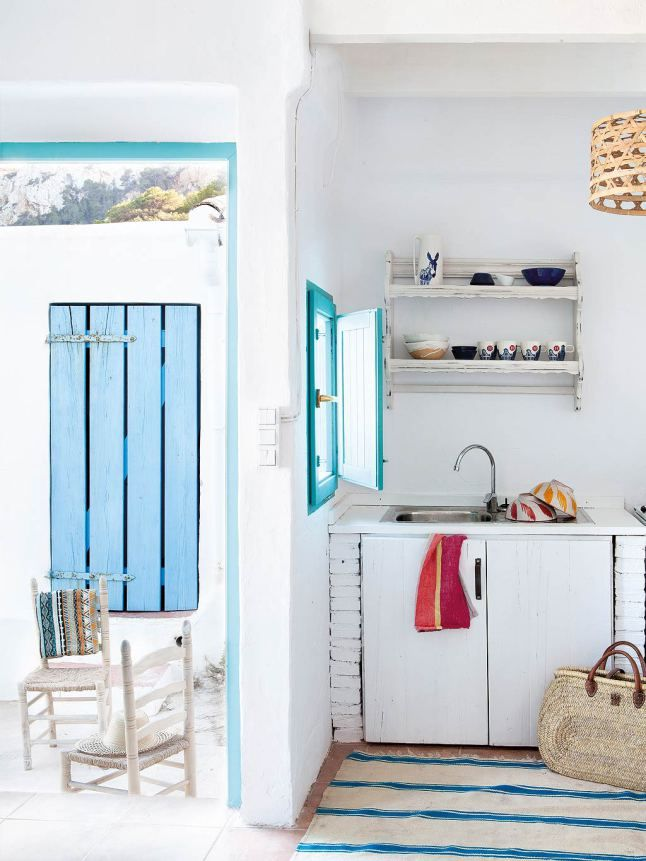 A MEDITERRANEAN BEACHSIDE HOME IN ALICANTE, SPAIN   THE STYLE FILES